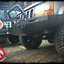 Jeep Grand Cherokee ZJ zderzak przedni mud facility