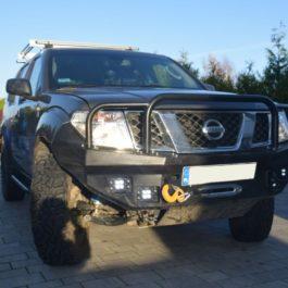 Nissan Pathfinder zderzak przedni